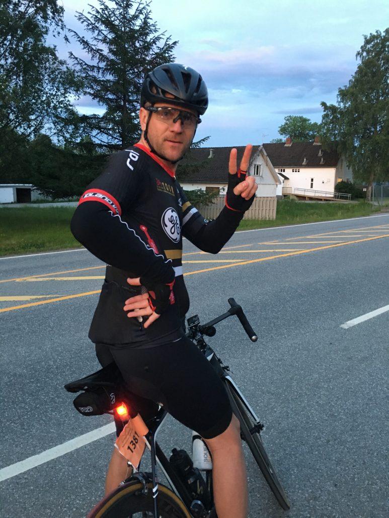 Olav tripper etter å starte på de siste 73km.